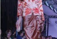 Iwan Tirta Perancang Batik Modern